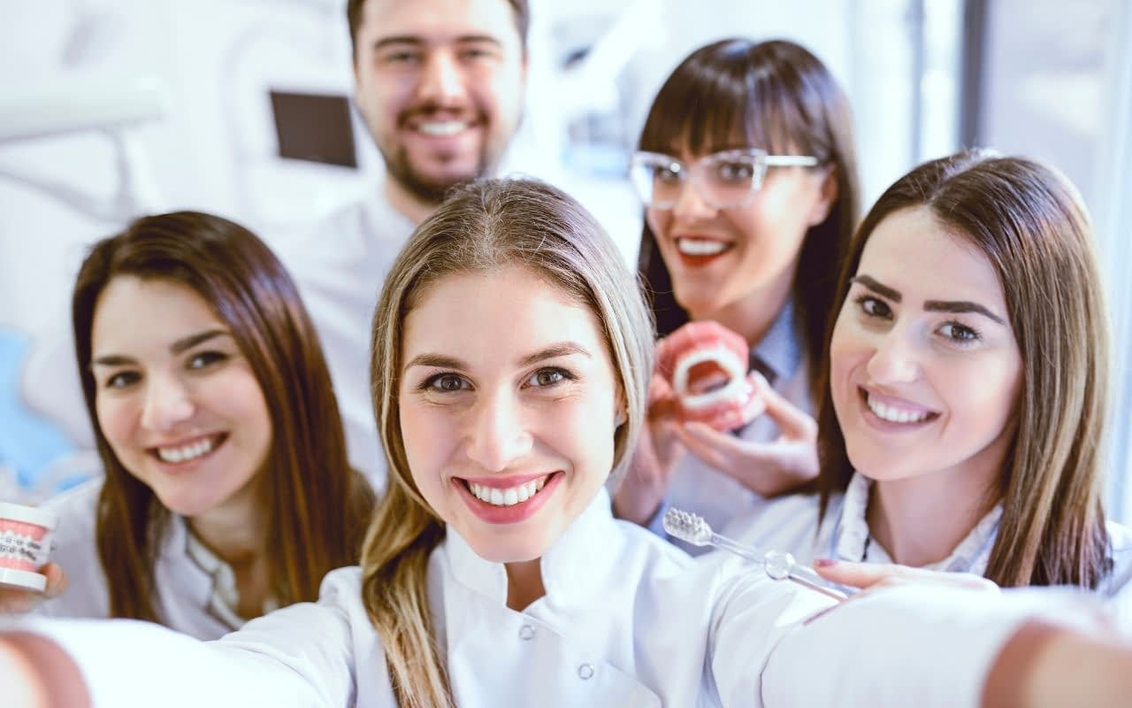 positive-reviews-are-great-for-the-team-Dental-Marketing-Heroes